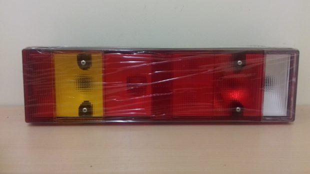 DAF REAR LAMP RH 7 CHAMBER SIDE PLUG